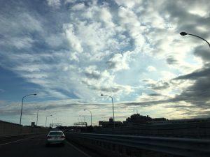 通勤時の朝の空